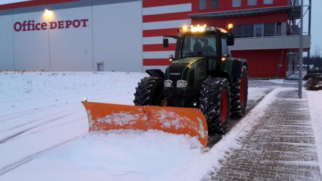 Zimní údržba komunikací, odklízení sněhu